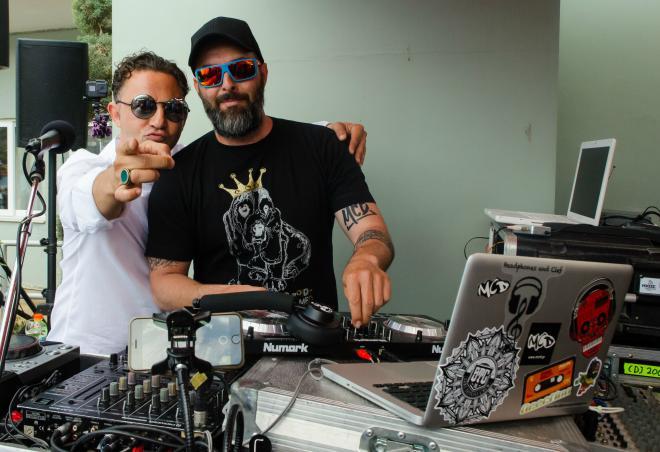 DJ Νίκος Ζώης & DJ MCD