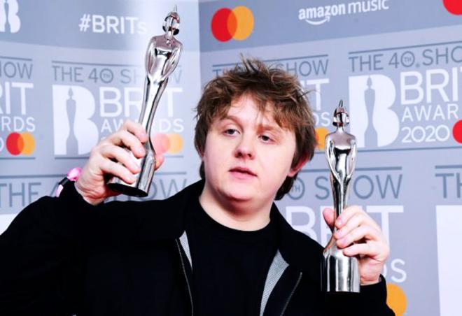 Αναβάλλεται και η ετήσια απονομή των Brit Awards λόγω πανδημίας